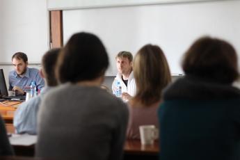 LP2015_048 Workshop Tazatelé vs. jazyková poradna: co (ne)může být zdrojem argumentů pro doporučovaná řešení?